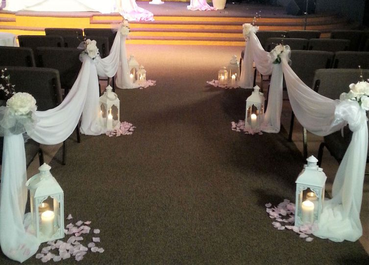Soft and Elegant Aisle and Ceremony Solutions