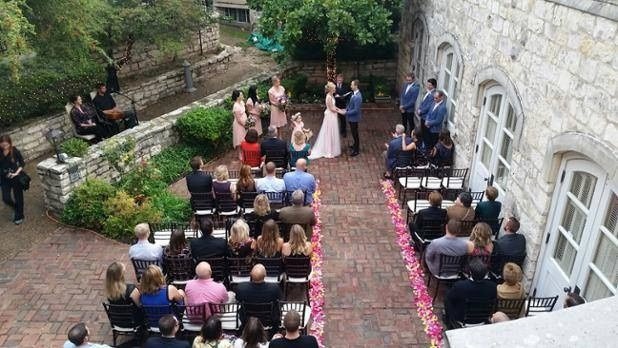 Outdoor ceremony at Chateau Bellevue