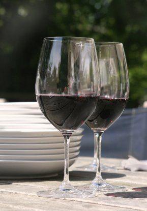 WineGlassesOutside3532399XSmall