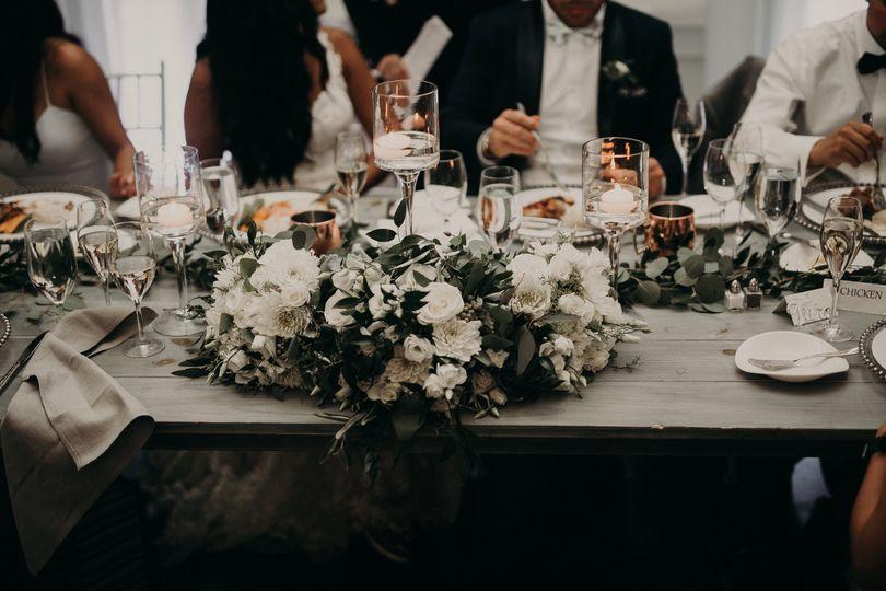 Big table decoration