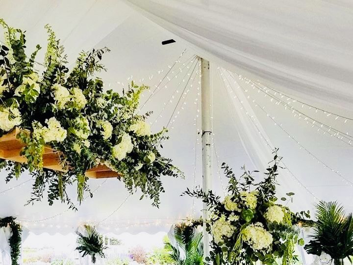 Tmx 1536111106 Bda8e52f0cb0fafe 1536111105 Cff68fce23e92d3a 1536111108169 3 IMG 5640 Boston, Massachusetts wedding florist