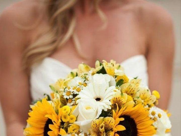 Tmx 1458244458042 69b03fea82d11e3dd5017419177e19bb West Islip, NY wedding florist