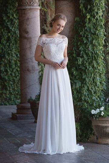 Sincerity Bridal	4003		Feel like a princess in this sweetheart gown adorned with hand beaded...