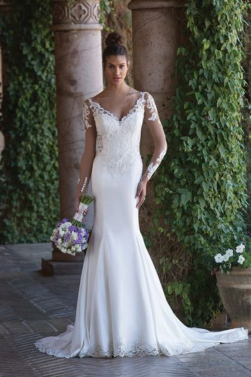 Sincerity Bridal4015Lace captures the beauty of this deep illusion back and side cut outs....
