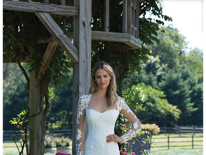 Tmx 1495109634075 Sin3981rs0004 Valley Cottage wedding dress