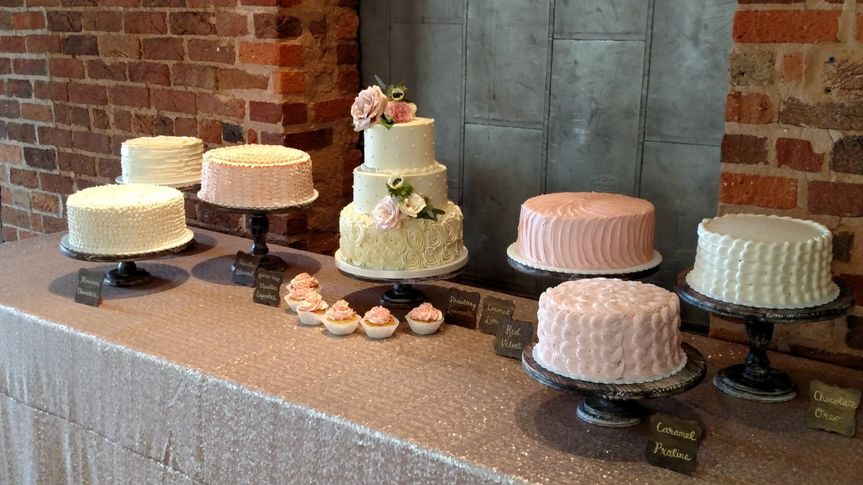 Simple wedding cake samples