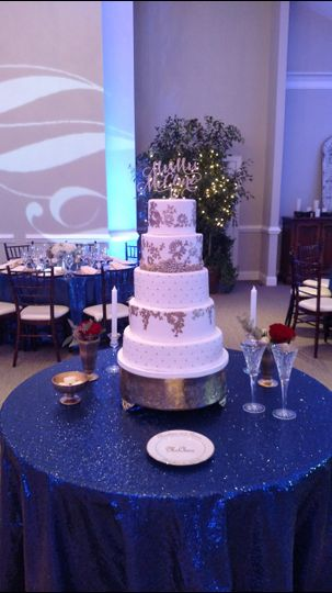 Wedding cake with silver design