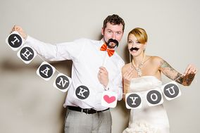 Lovebirds Photo Booth