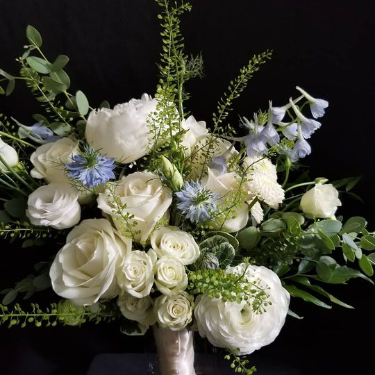 White w/a hint of blue bouquet