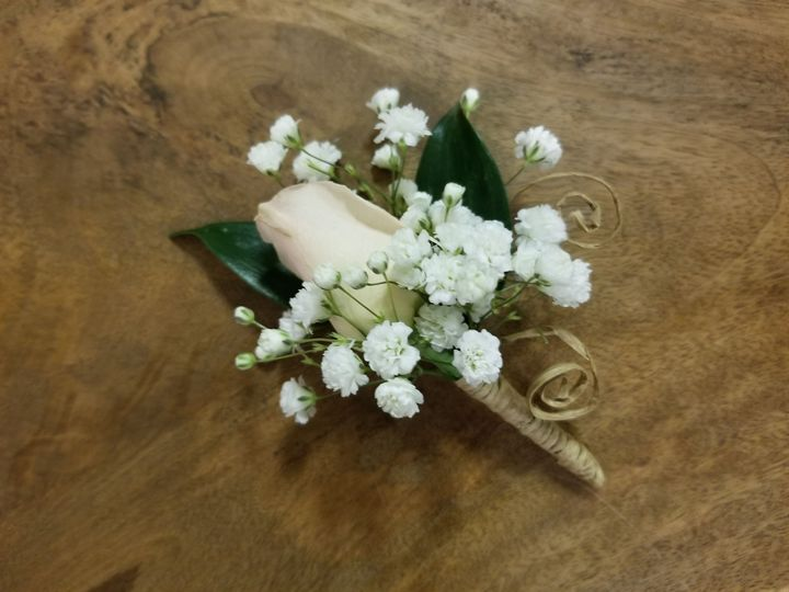 Tmx 1533842138 9ea542256f6b3639 1533842135 816c9fb3a0f511fb 1533842129717 1 Samsung Photos Upt Acton, MA wedding florist