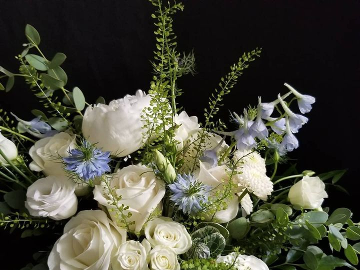Tmx 64560708 2198393793590173 4954110412179111936 O 51 906964 157746383458808 Acton, MA wedding florist