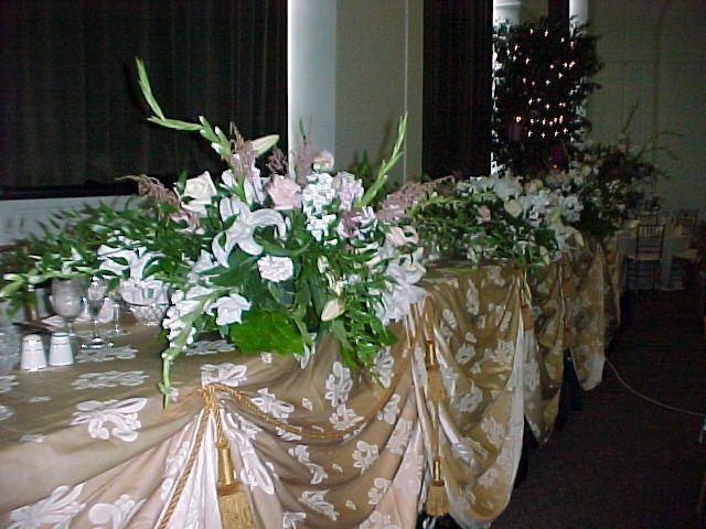 Tmx 1345445885748 ATraditionalWeddingPartyHeadtable Grand Blanc wedding planner