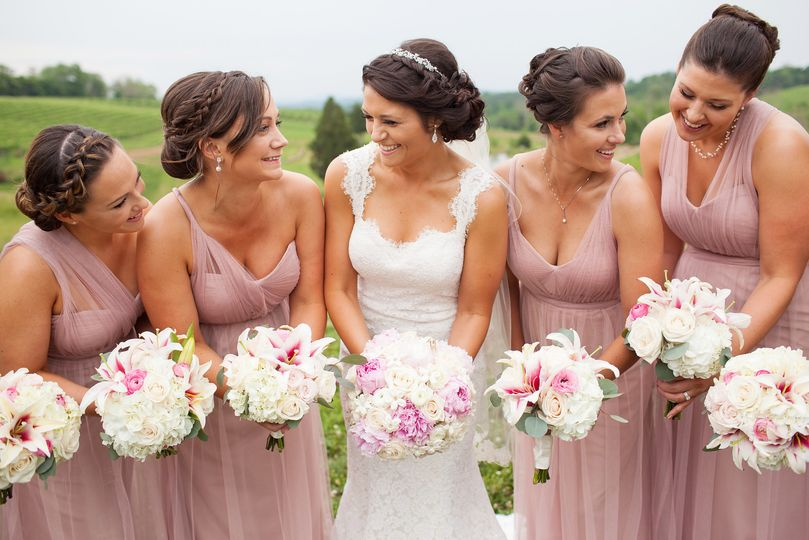 Bridal party | Photo by Limefish Studio Photography