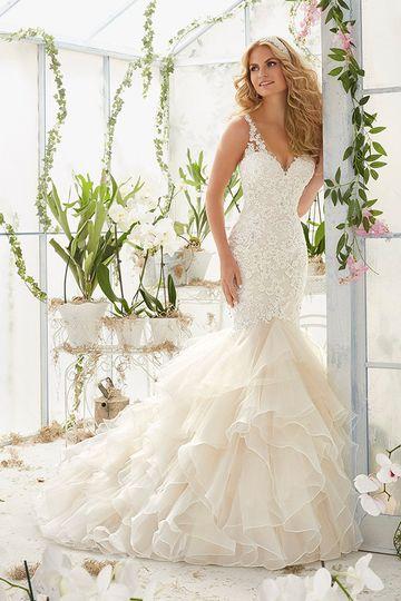 Mermaid style dress with elegant frills