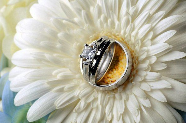 Tmx 1328025811289 14904151663326140676500233306538412304959n Dubuque wedding florist