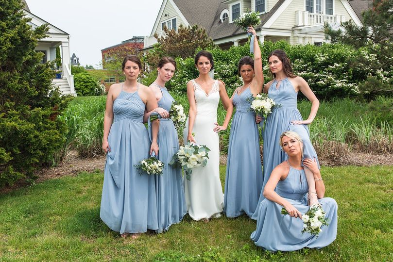 Love these bridesmaids