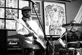 Charlie Pranio Music - Acoustic Guitarist