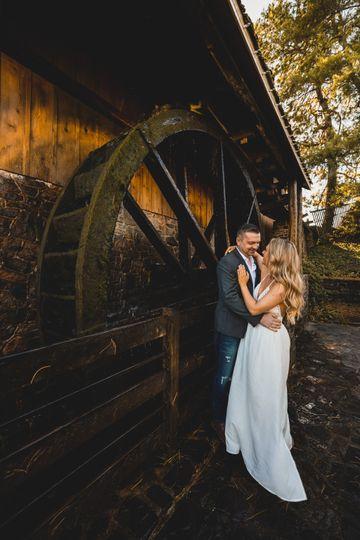 Eugene Novar Photography - Couples pose