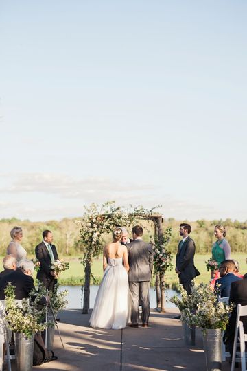 Riverside on the Potomac in Virginia - outdoor wedding ceremony