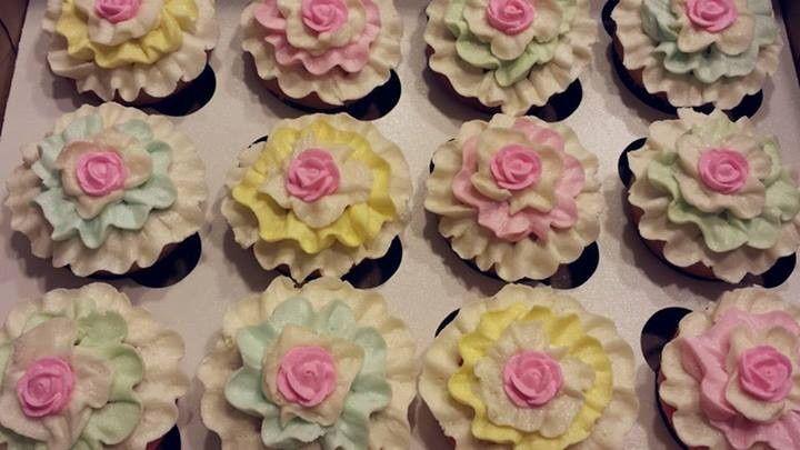 pastelribboncupcakeswedding