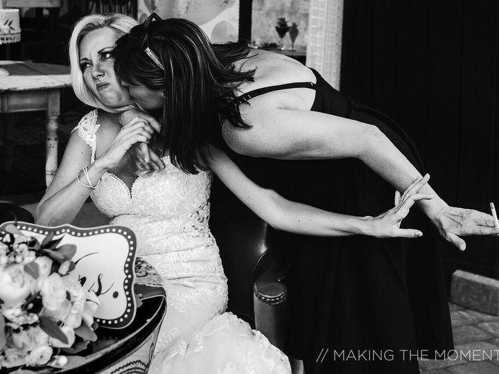 Tmx 1526911733 486a1dced835b1a4 1526911732 11088cf459b8a0e0 1526911726518 29 MakingTheMoment W Westlake, Ohio wedding photography