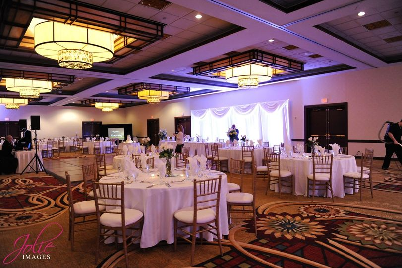 Embassy Suites By Hilton Chicago O 39 Hare Airport Rosemont Venue Rosemont Il Weddingwire