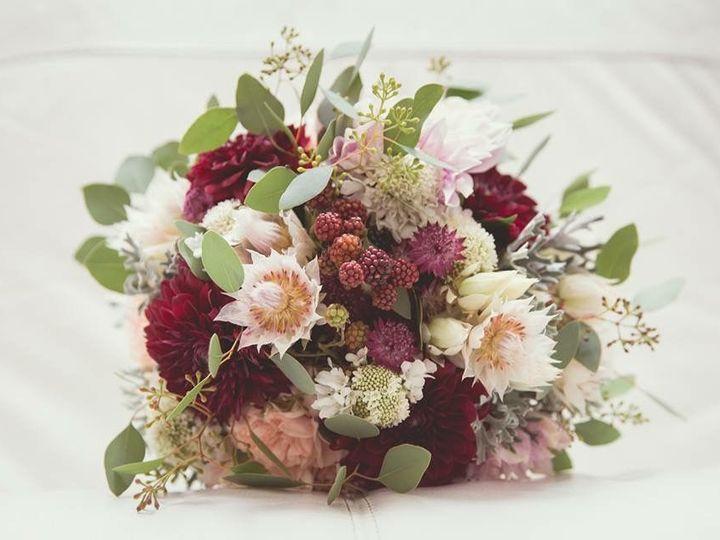 Tmx 1524240158 69eceb541162d507 1524240158 175c05ae16c48c13 1524240155356 19 IMG 2155 Cloverdale wedding florist