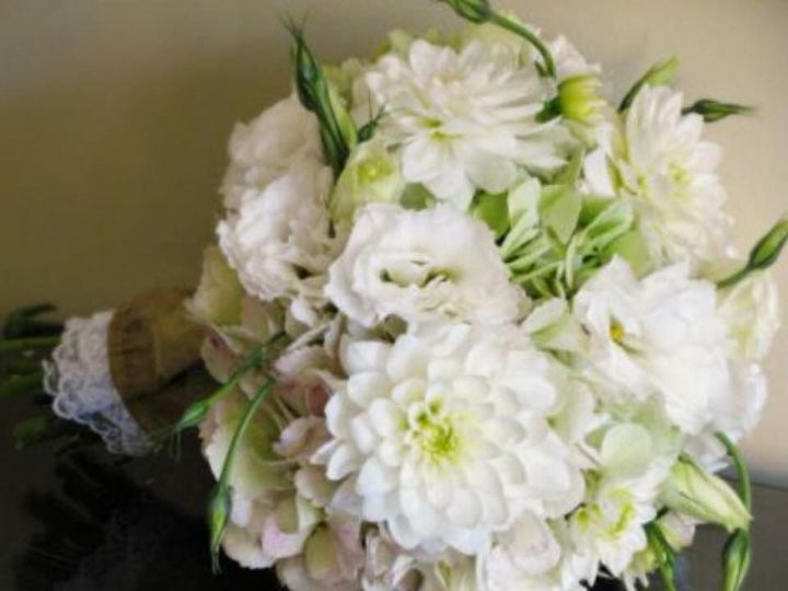 Tmx 1524240761 A8ff074113f4c8be 1524240760 06eb3db6b6d24cea 1524240757528 30 IMG 3959 Cloverdale wedding florist