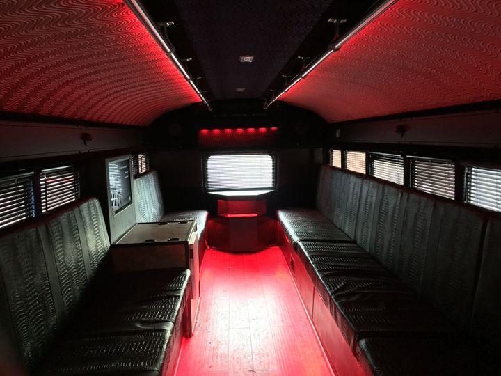 Tmx 1516910384 49e1c7869f12b68b 1516910381 5dbd4cc6713c3be0 1516910378920 5 Bus3 Chapel Hill, NC wedding transportation