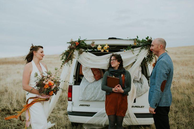 Intimate van life elopement in the gorge