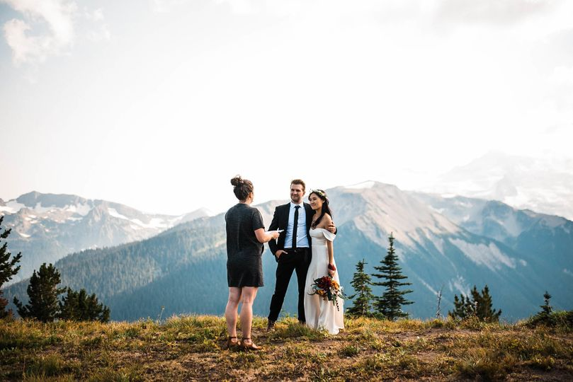 5af9a82e6591f031 Lily Chris Mt Rainier Elopement Teasers The Foxes Photography
