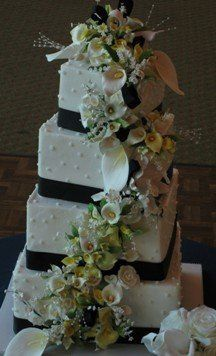 Tmx 1281391215389 CallaLillyCascade02 Johnstown wedding cake