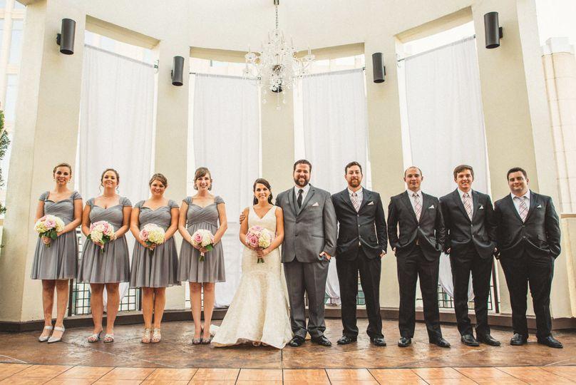 9ab9d97afb1a92e6 1494436012805 bridal party in rotunda