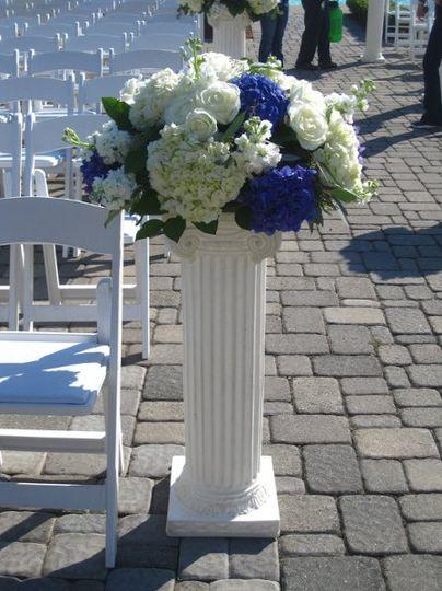 Aisle floral decoration