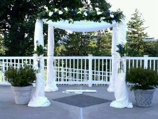 Wedding arc floral decoration