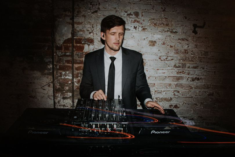 dj coolhand at houston hall for a wedding of epic