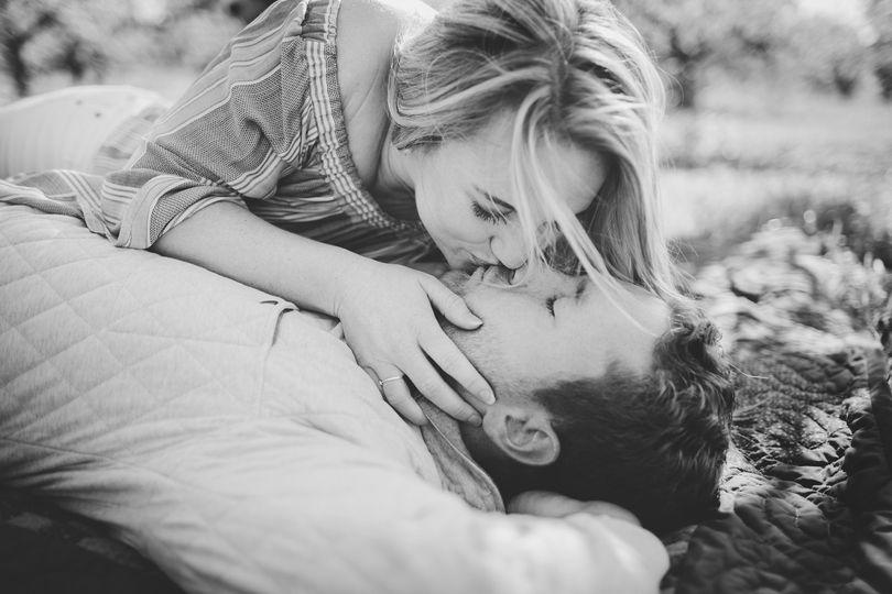Picnic Kisses