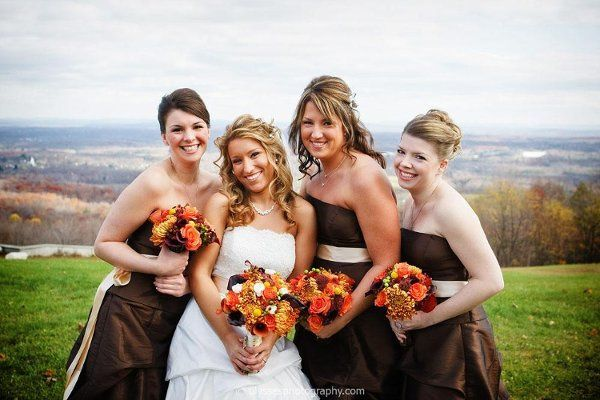 Bride & Bridesmaids with fall bouquets