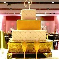 White and gold cake