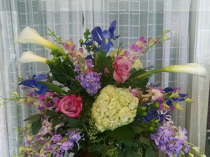 Tmx 1516047743 08757830ec60c190 1516047741 458173721ef3d966 1516047739050 2 13103557 815009001 Jefferson, WI wedding florist
