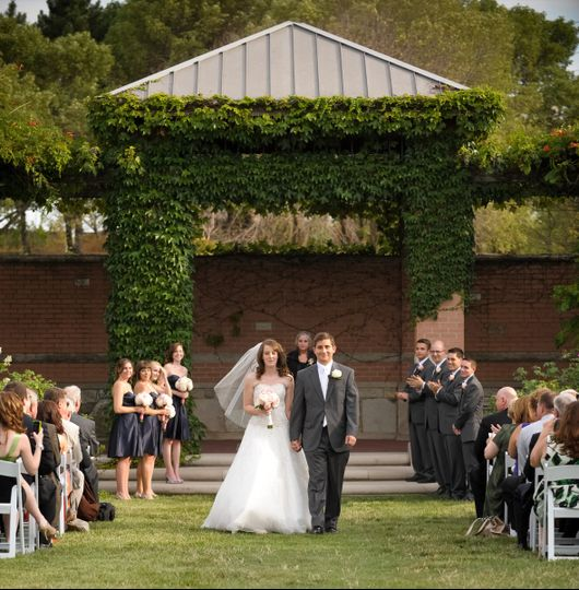 Wedding Venues White River: Indianapolis Zoo And White River Gardens