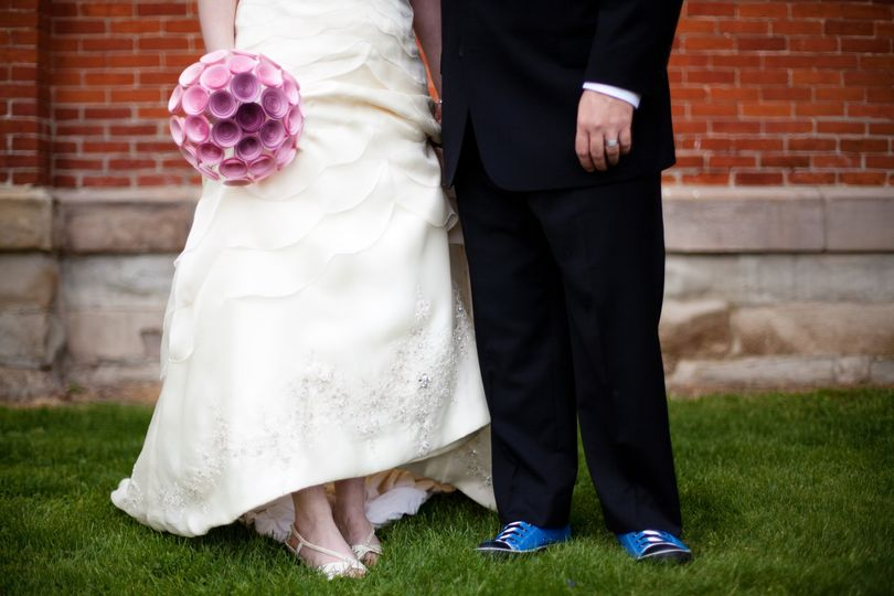 Pink ombre bouquet and blue shoes!  Photo courtesy of Willa J Photography.