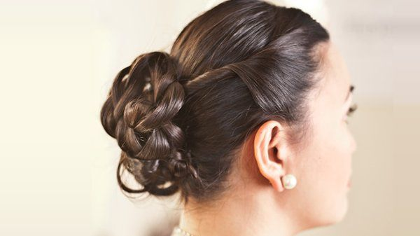 800x800 1271121077911 weddinghairelaboratebun