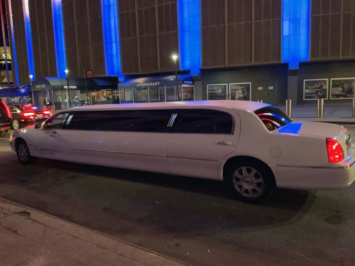 8-passenger limo for special events