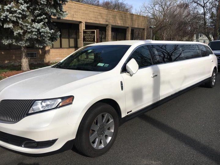 8-passenger limo for weddings