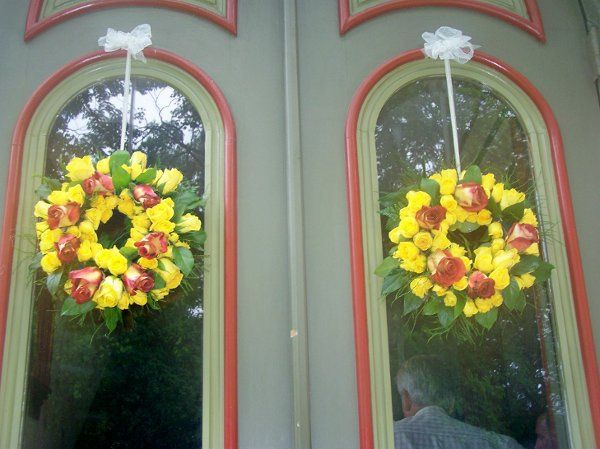 Door wreaths of Terra Cotta and golden roses