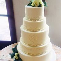 Five layered wedding cake
