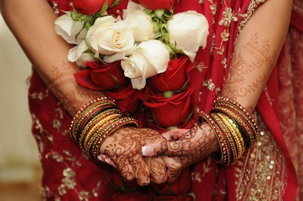 ef0c9e794a1162be 1355759029177 indianweddingredbridejaimala