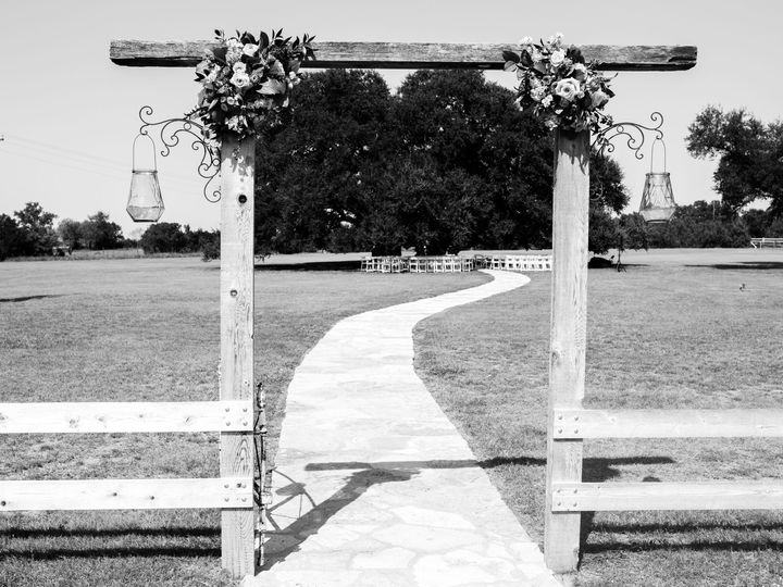 Tmx 1515647257 514f036eb6a321f5 1515647198 18d8e4ce7aa88411 1515647193002 4 Mr.   Mrs. Tillery Arlington, TX wedding photography