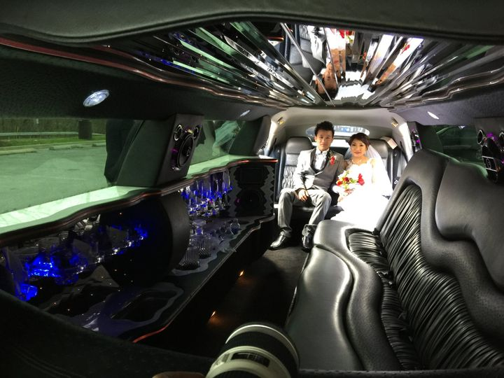 Bride and Groom Chrysler 300